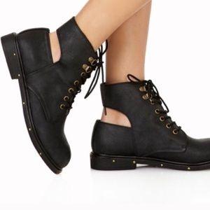 Black Combat Cutout Boots